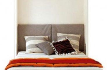 Zložljiva postelja v omari kot del funkcionalnega pohištva